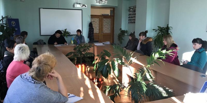 Учора, 15 листопада, фахівці з профорієнтації Мукачівського міськрайонного центру зайнятості спільно з соціальними партнерами з Міжнародного Фонду Охорони Здоров'я та Навколишнього Середовища «Регіон Карпат», провели профконсультаційний груповий захід для жінок на тему здоров'я.